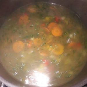 Pan met groentensoep
