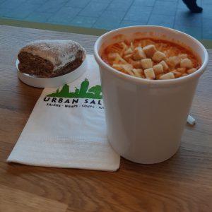 Tomaat-paprikasoep, Urban Salad